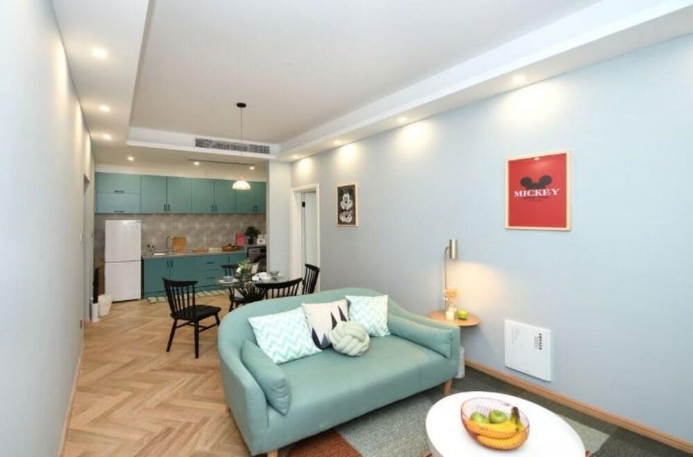 Man Yin Ju Modern Style Apartment