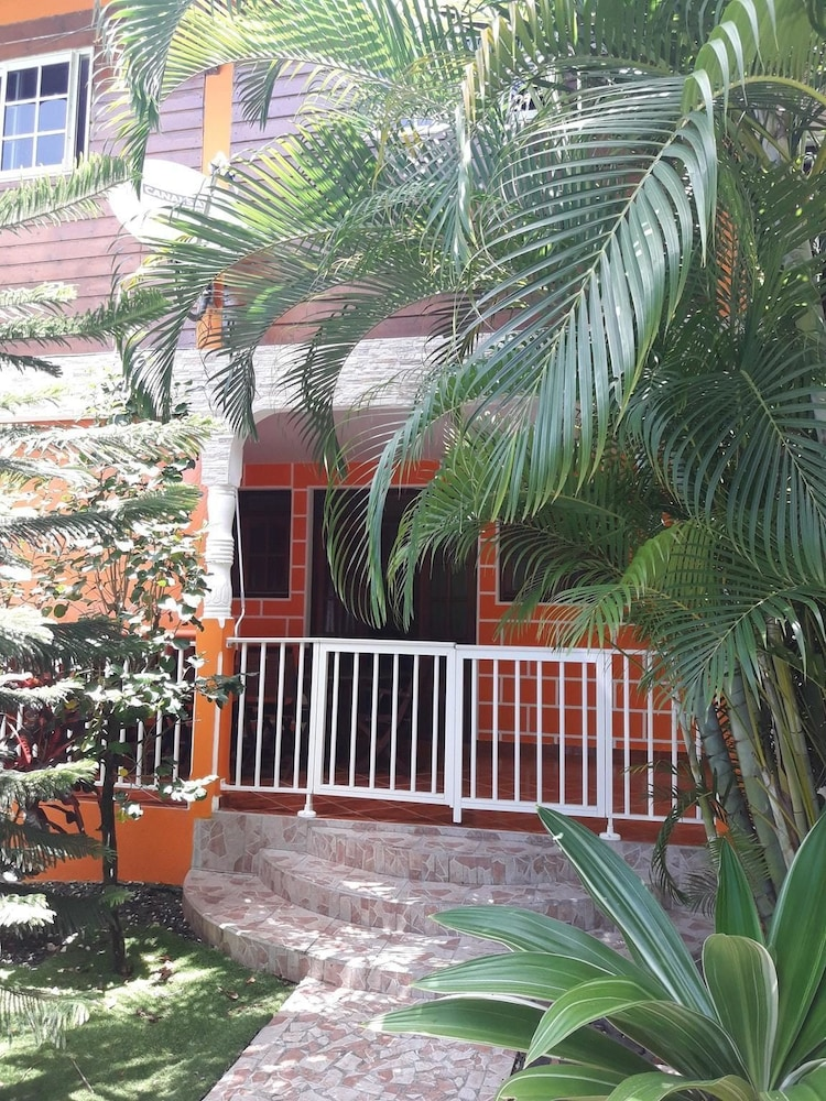 House With 3 Bedrooms in Pointe Noire, With Wonderful Mountain View, F
