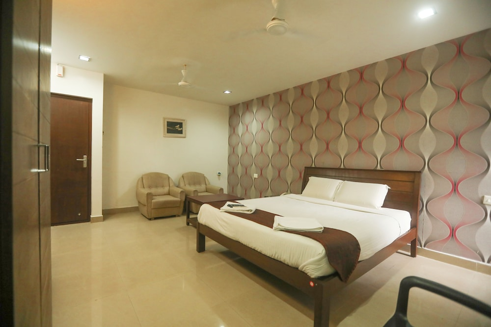 ULO Aravindar Residency