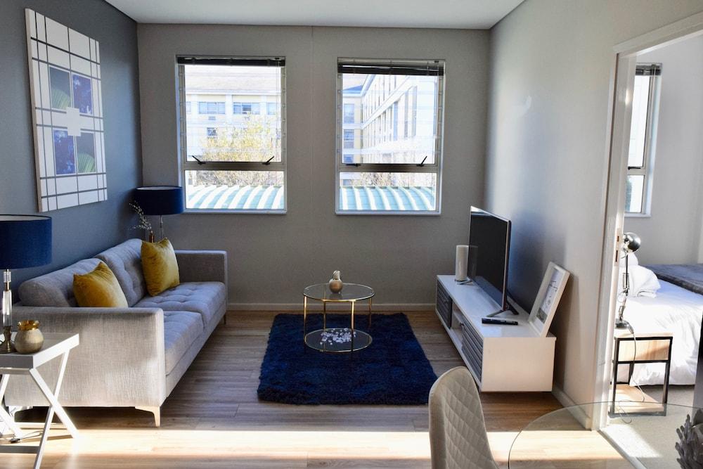 Private Apartment at Ports Edge