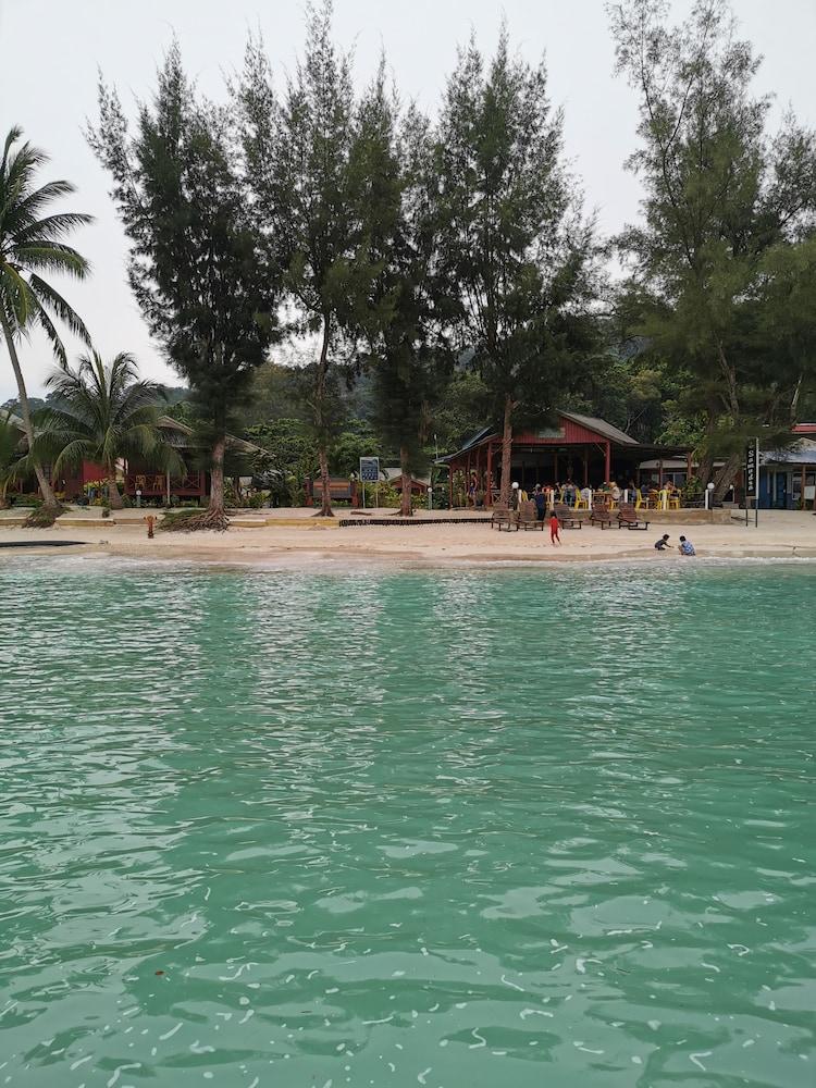 Samudra Beach Chalet