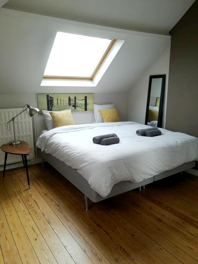 Studio in Liège, With Enclosed Garden and Wifi