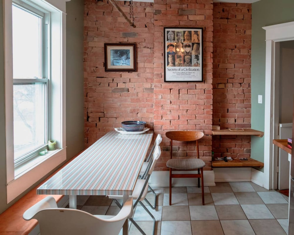 Cosy 1 Bedroom House Near Junction Triangle