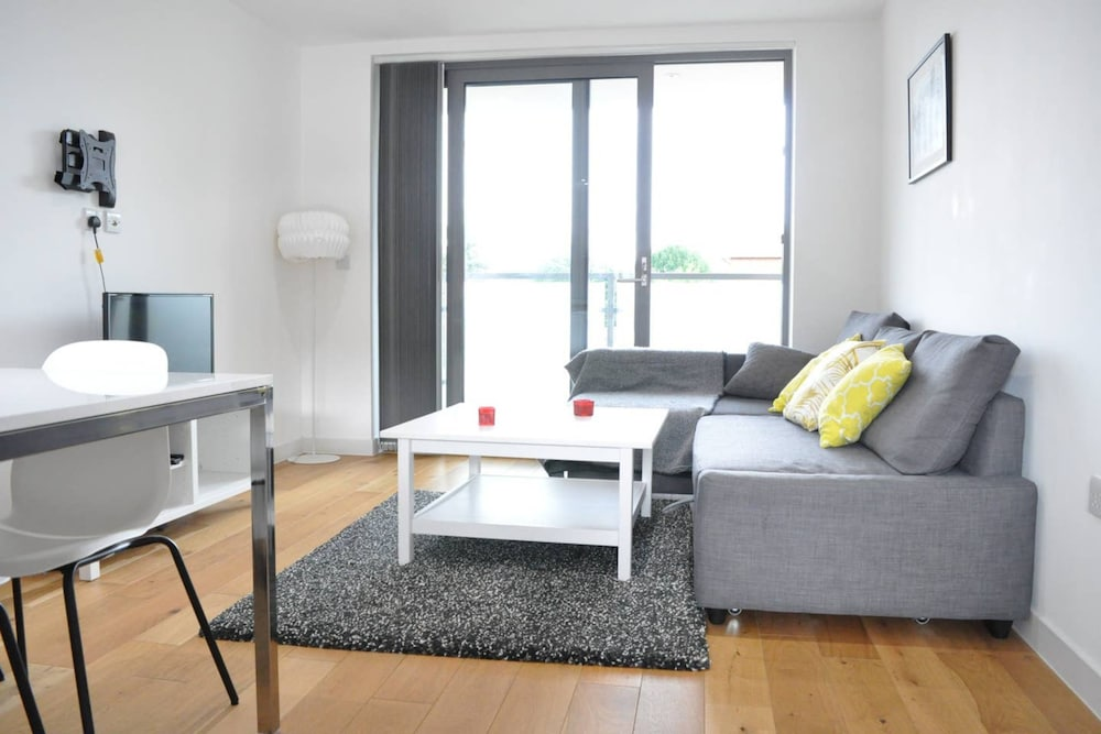 Modern 2 Bedroom Duplex Flat in Balham