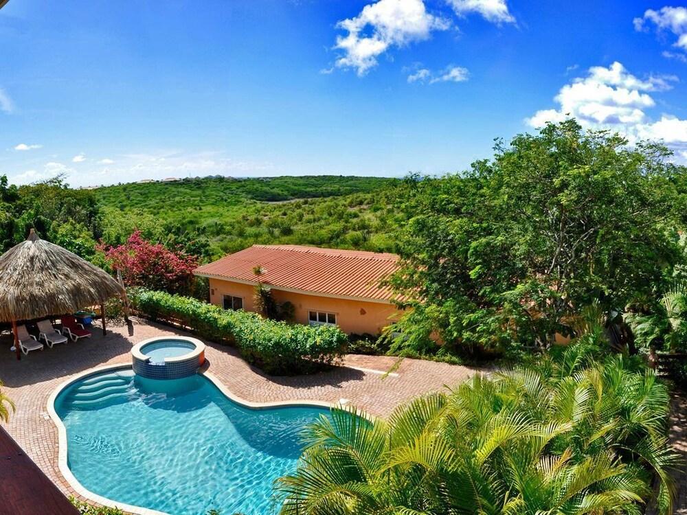Home Sweet Home Mini Resort Curacao