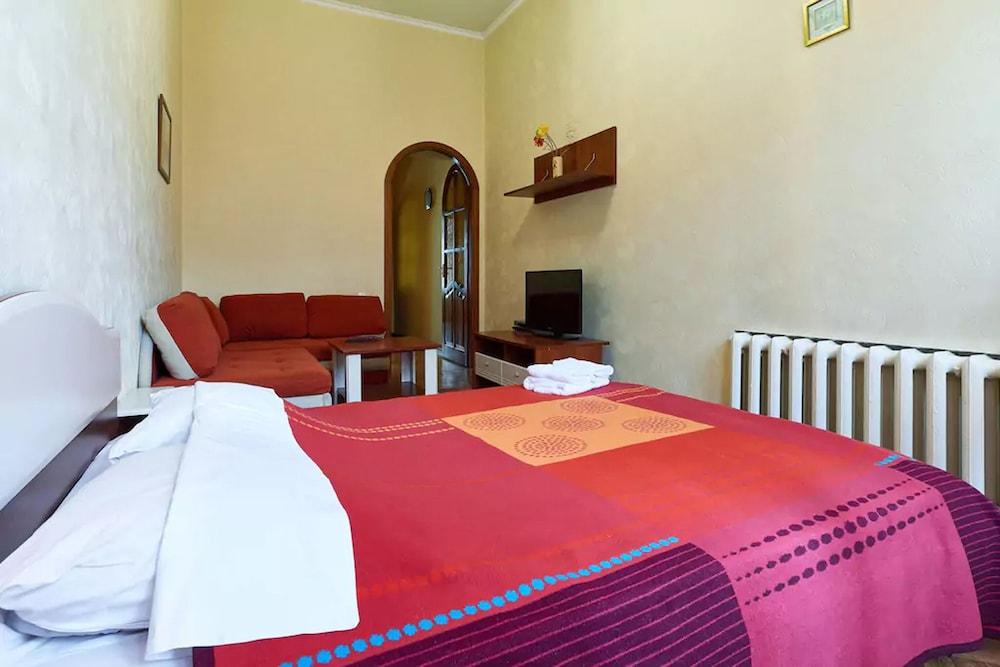 Home-Hotel Pushkinskaya 24B