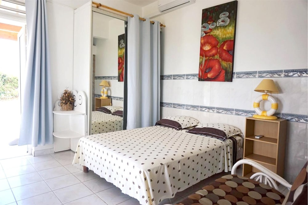 Studio in Le Gosier, With Furnished Terrace and Wifi - 3 km From the B