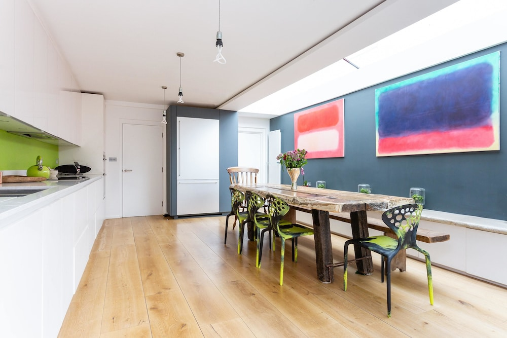 St Margaret's Road by Onefinestay