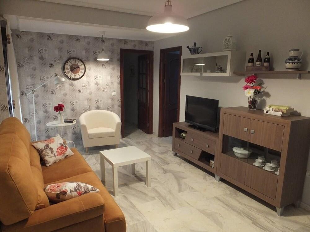 Apartamento C.Alfonso XIII by JITKey
