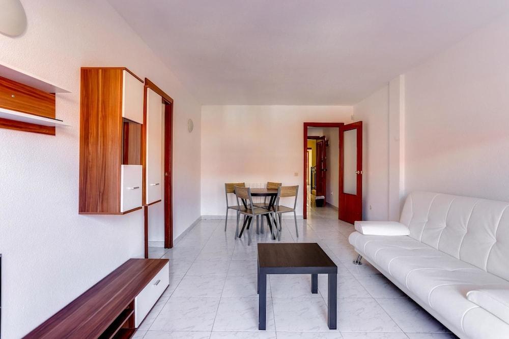 Virgilio Apartment in UNESCO City close to Madrid