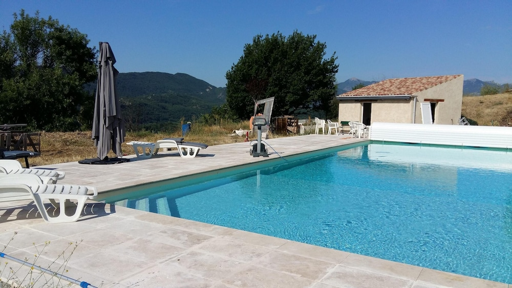 Villa With 2 Bedrooms in Sisteron, With Wonderful Mountain View, Priva
