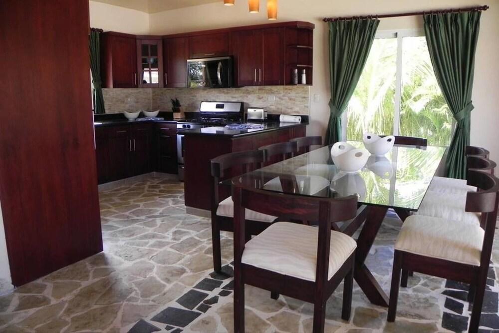 Elegant and Private 4 Bedroom Villa