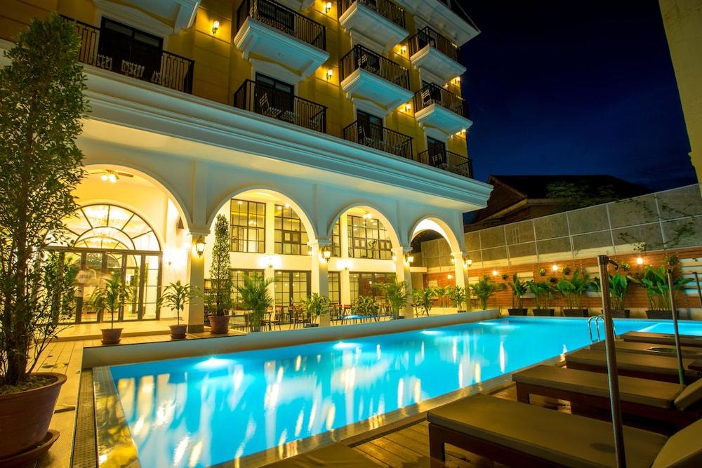 Angkor Zhe Jiang Hotel