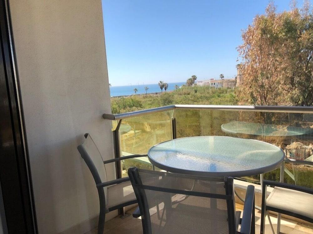 Apartment Marina del Castillo sea view