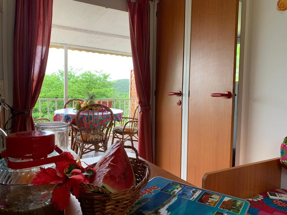 House With 2 Bedrooms in Deshaies, With Wonderful sea View, Furnished