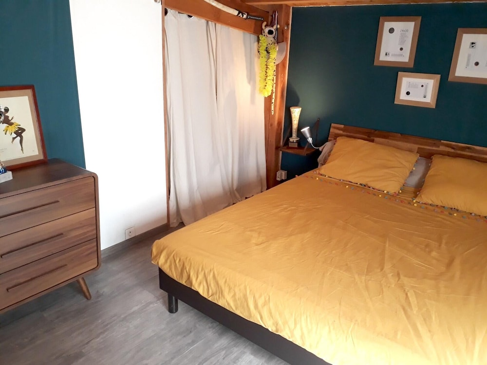 Chalet With 3 Bedrooms in Roquemaure, With Private Pool, Enclosed Gard