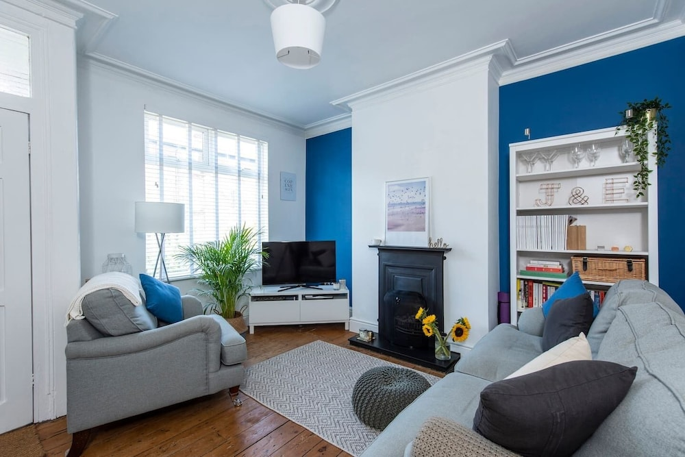 Cosy and Family-friendly Home in Greater Manchester