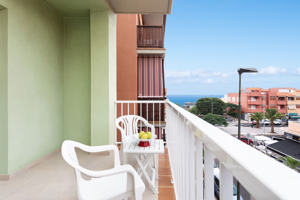 HomeLike Charming Apartment Candelaria, Wifi & Pool