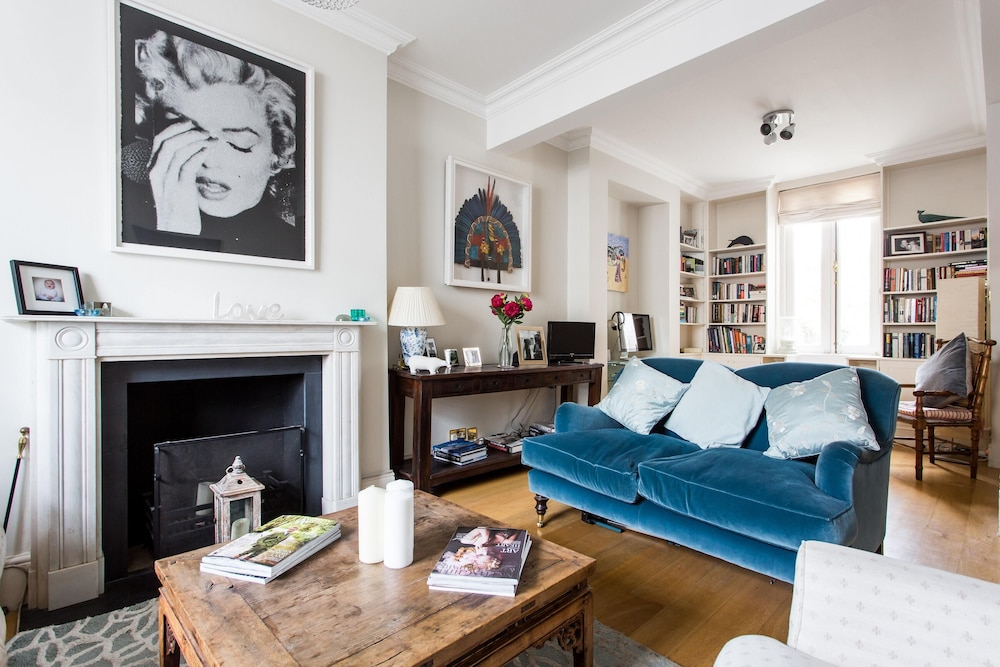Queensdale Road IV by Onefinestay