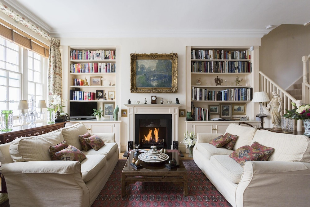 Petersham Place by Onefinestay