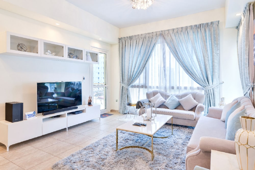 Charming 3BR Apartment in Palm Jumeirah