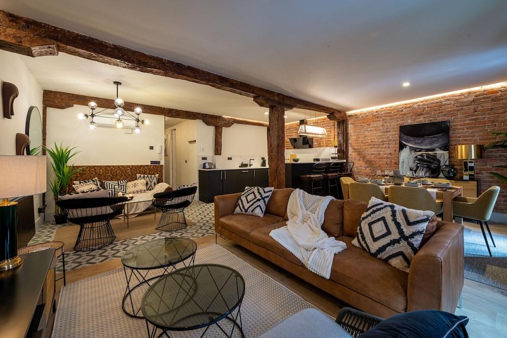 Espacioso apartamento reformado by SH