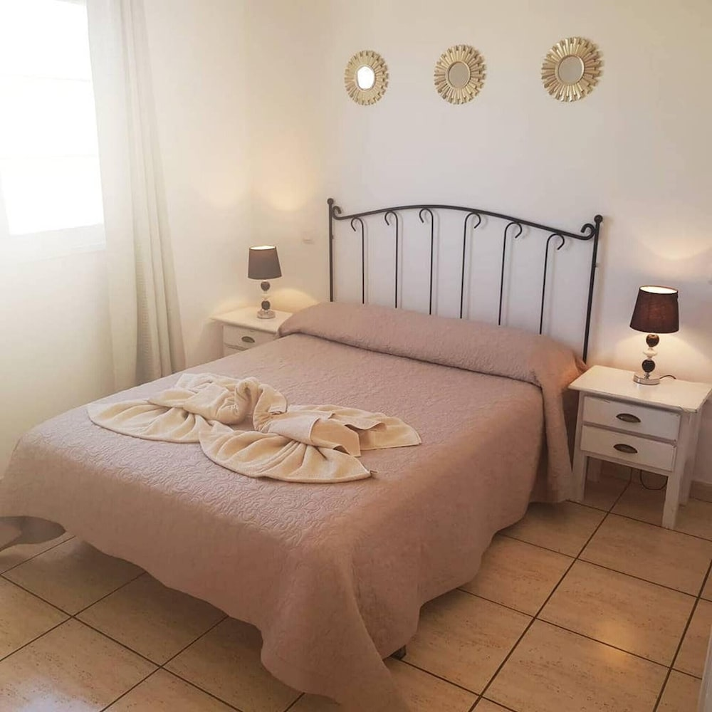 Apartment With one Bedroom in Corralejo, With Pool Access and Furnishe