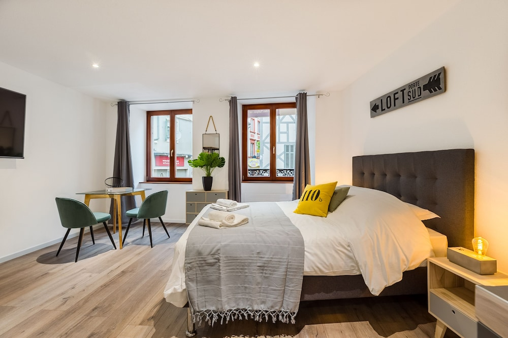 Travel Homes - L'Arsenal - Apartments For 14 People