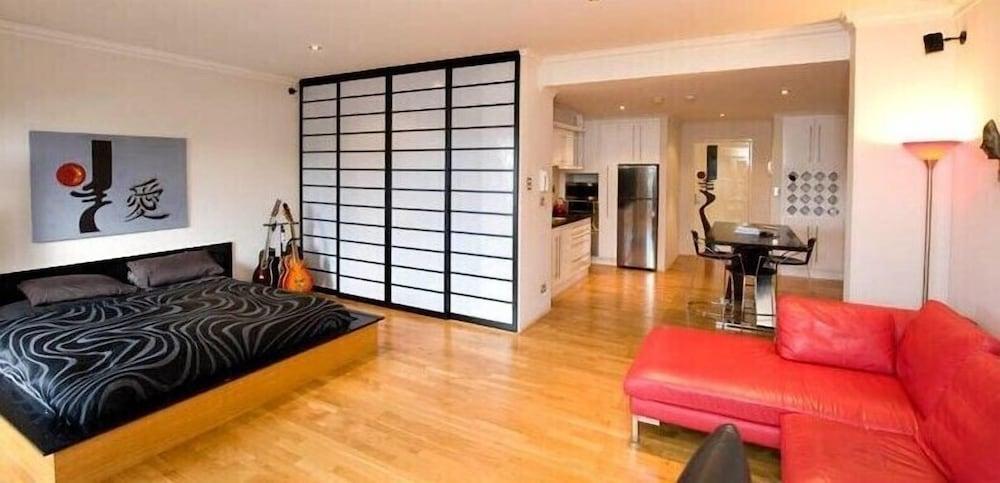 Colin St Apartment