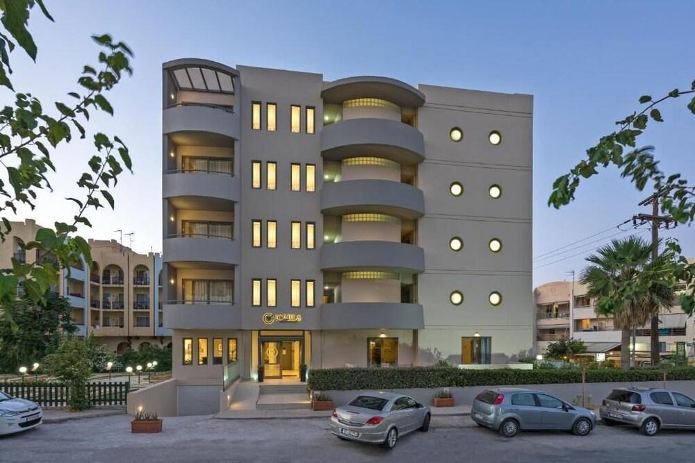 Icarus Suite Apartments