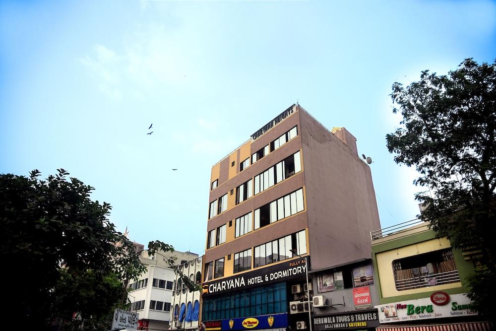 Charyana Hotel Ac Dormitory