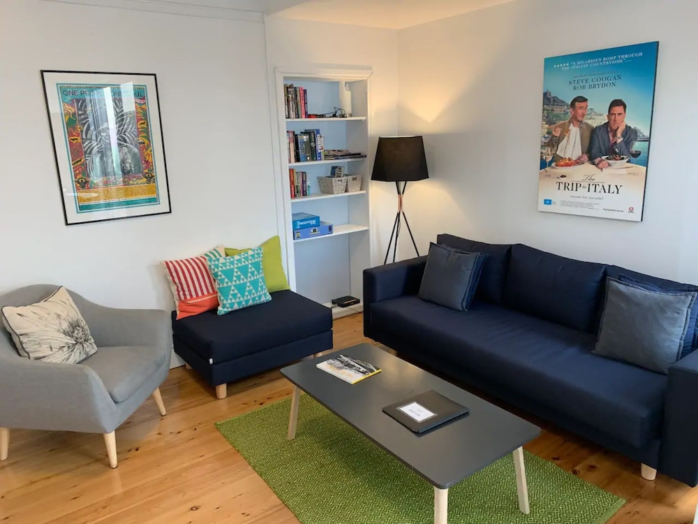 Modern and Beautifully Decorated 2 Bedroom Terrace Townhouse