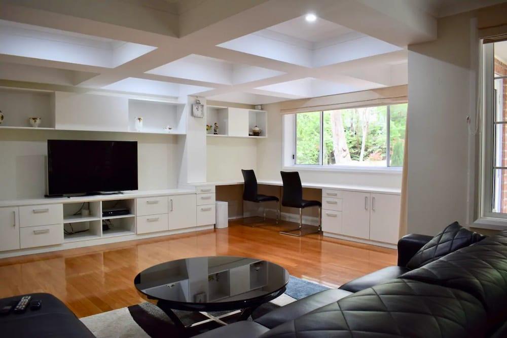 Idyllic & Spacious Family Home