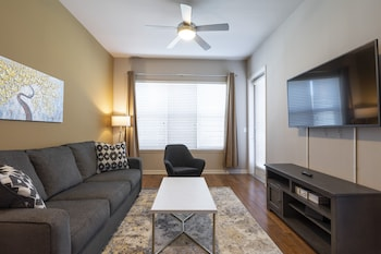 Luxury King Sized BED - MED Center Fully Equipped Condo (1452522656) photo