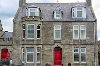 Elgin And Buckie Hotels Cullen Lossiemouth Portknockie Walkhighlands