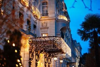 tarifs reservation hotels Shangri-La Hotel Paris
