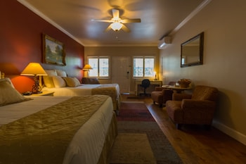 Grass Valley Courtyard Suites in Grass Valley, California