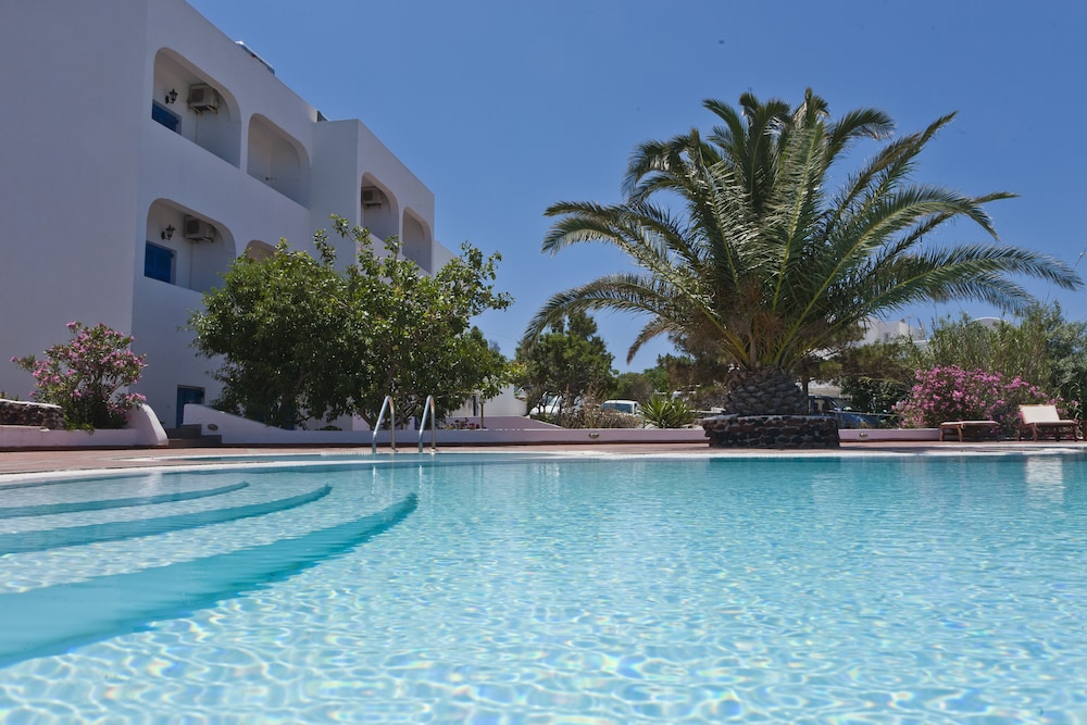 Anemomilos Hotel & Apartments