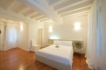 Prenota Hotel Ai Garibaldini