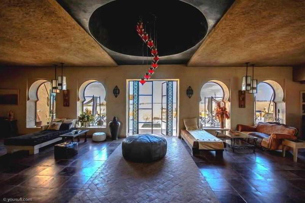 Shems Moon Lodge & Spa