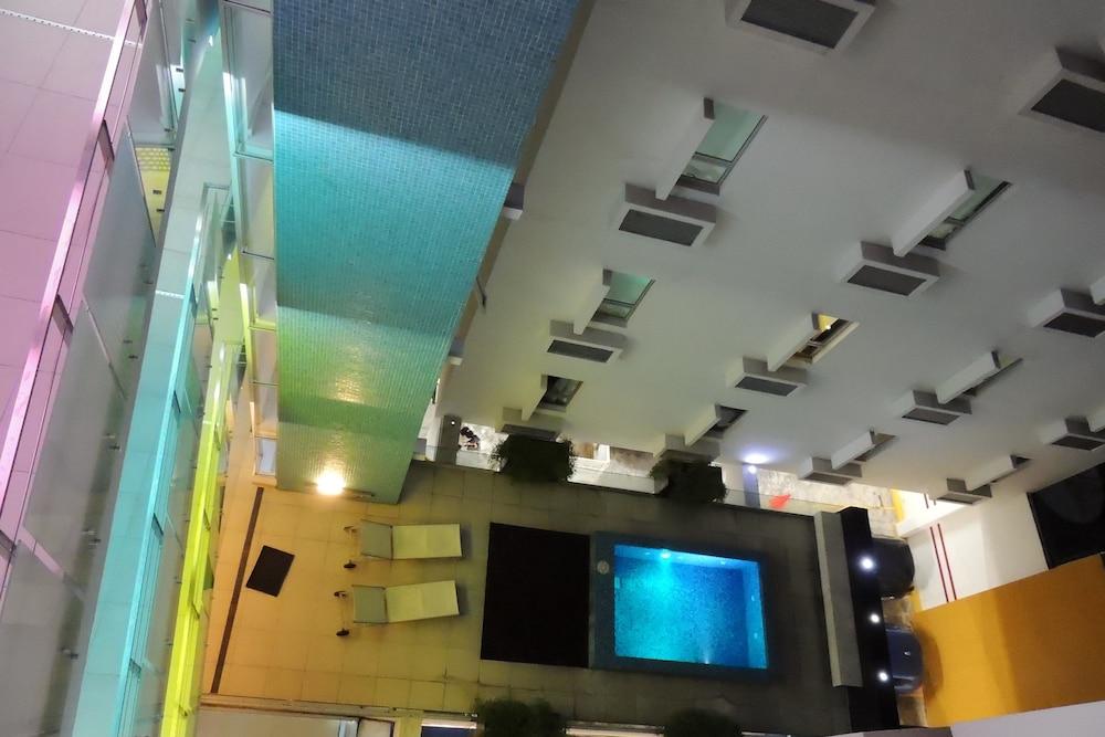 Nû Hotel