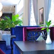 瓦倫納飯店