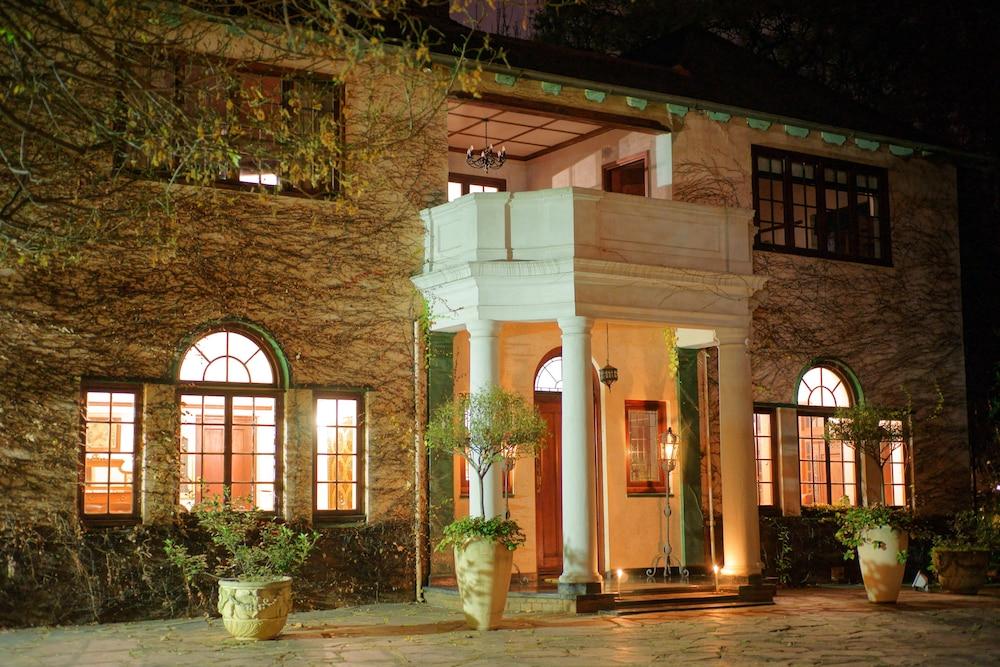 Foxwood House