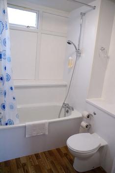 Prestatyn Sands Holiday Park - Bathroom  - #0