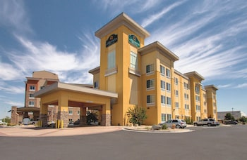 La Quinta Inn & Suites Denver Gateway Park