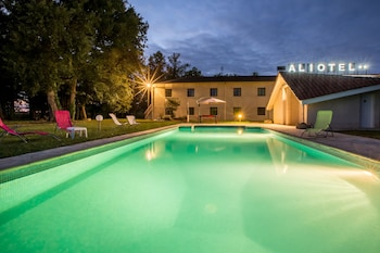 Photo for Hotel Aliotel in Cazeres-sur-l'Adour