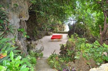 Palm Breeze Villa Boracay Property Grounds