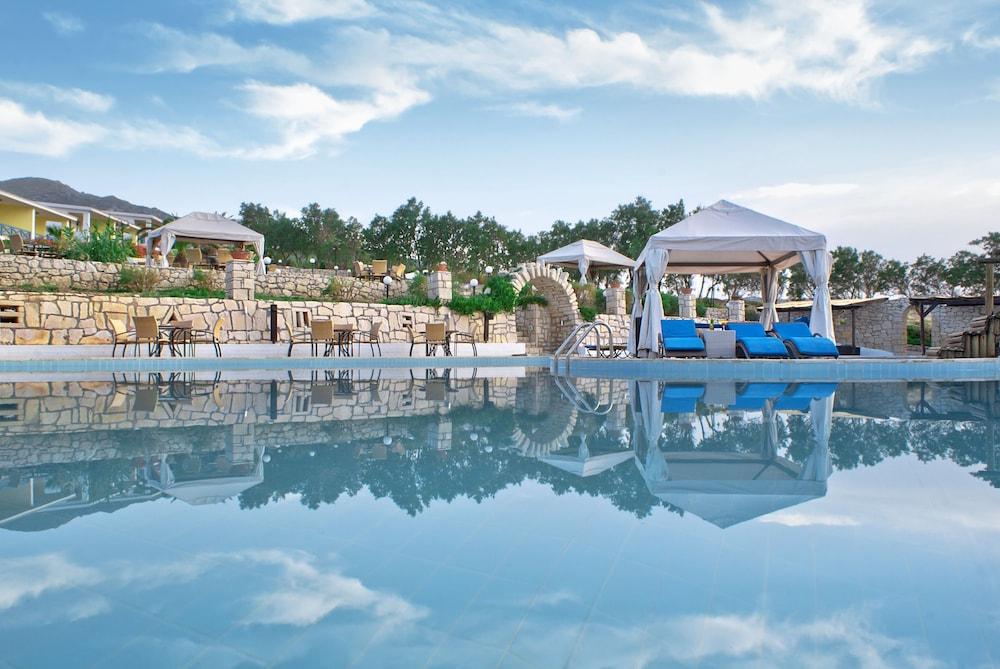 Lassion Golden Bay Hotel & Resort