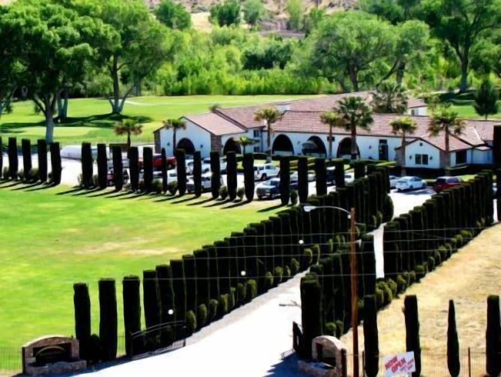 Historic Beaver Dam Lodge / Golf / RV Resort