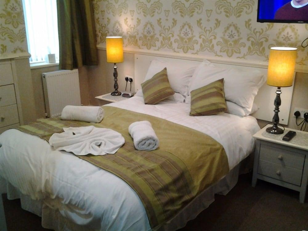 The Rimini, Blackpool ( ̶4̶3̶1̶8̶ ) Bed N Breakfast 𝐇𝐃